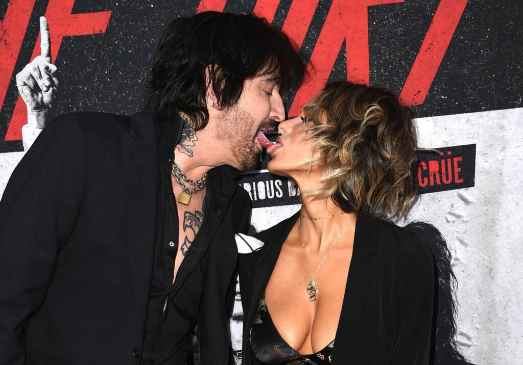 Tommy Lee still making dirty pictures after all these years: Stargazing